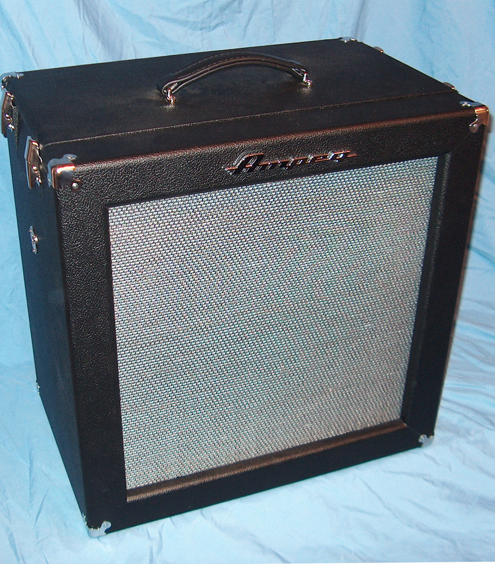 1967 style B15N Cabinet