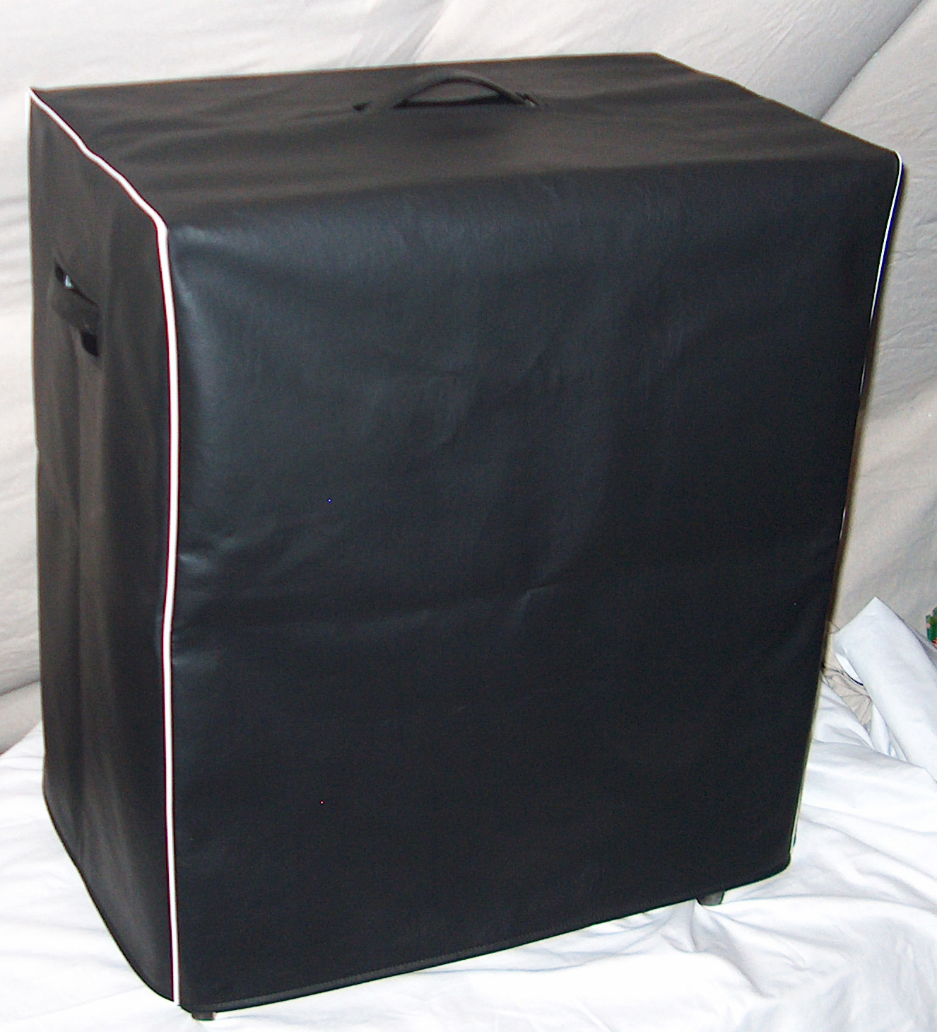 Example of  Black Vinyl Cover with White Piping.