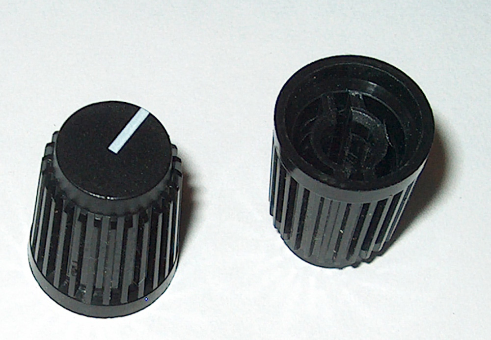 MINI BLACK BARREL KNOB FOR KNURLED SHAFT  POTS